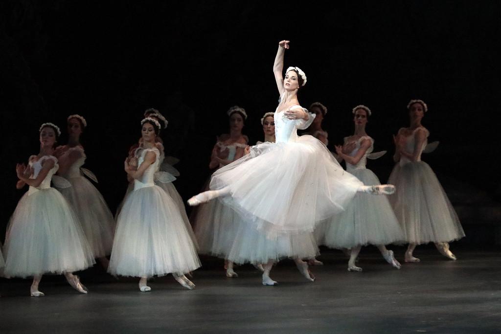 балет билеты в большой театр ноябрь