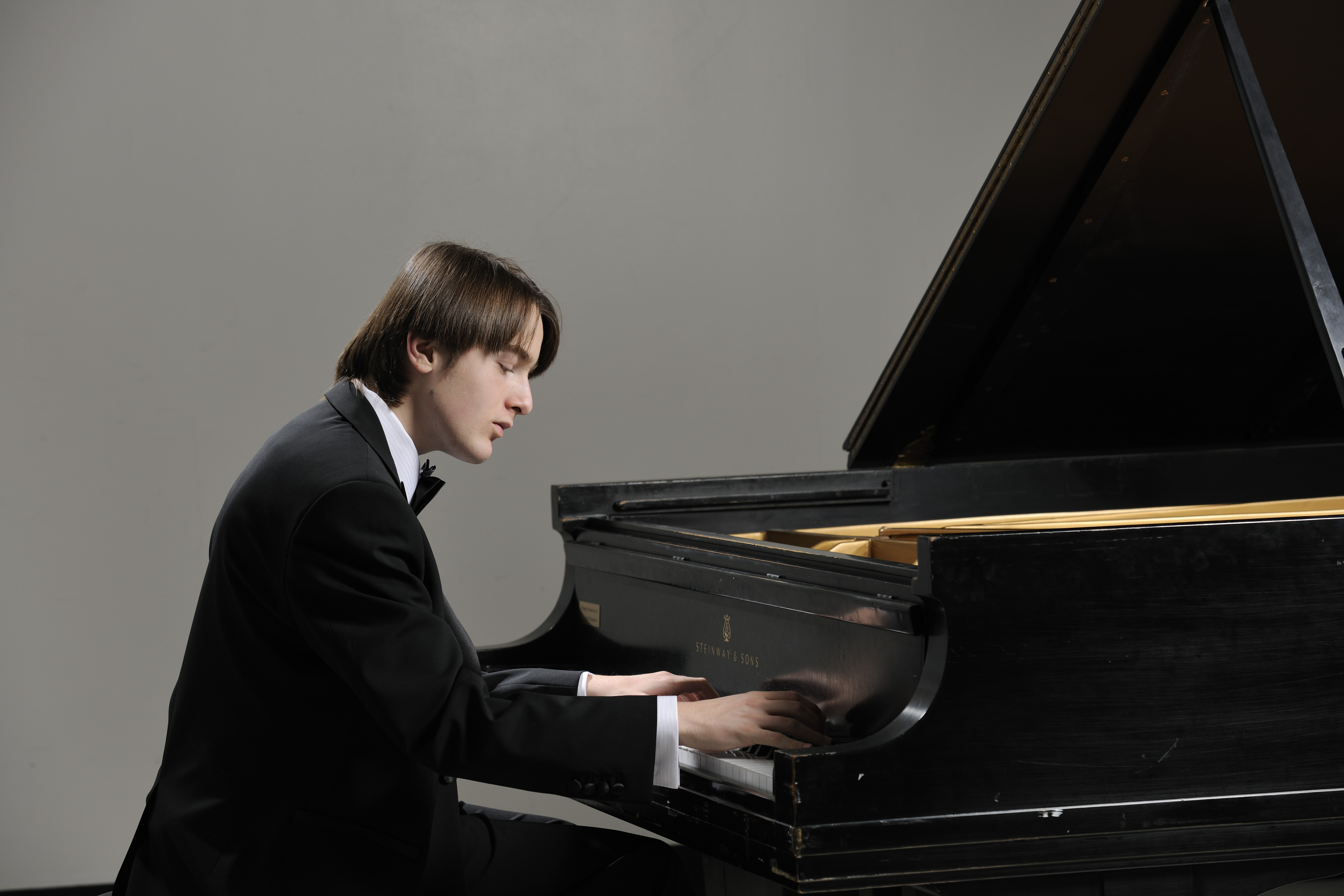 Sync Services Subscription >> Moscow Philharmonic Orchestra, conductor Yuri Simonov ...