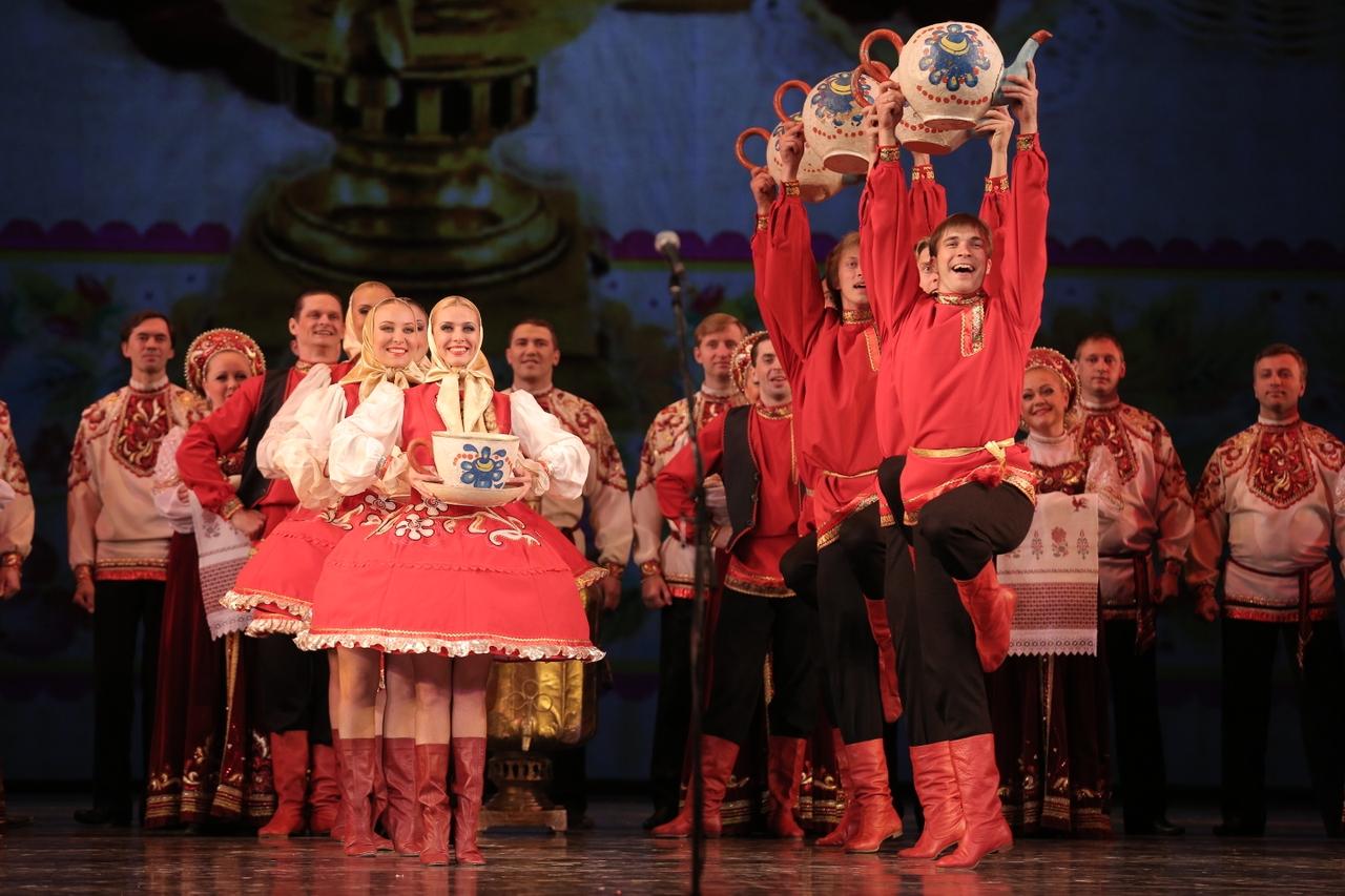 Дома русские занимаются любовью хором